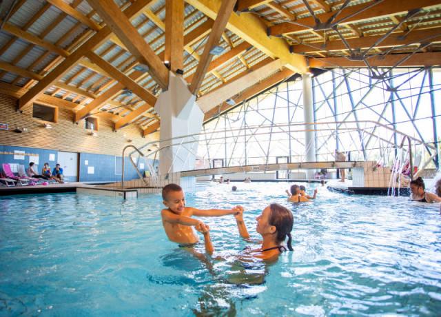 Centre aquasportif + hébergement